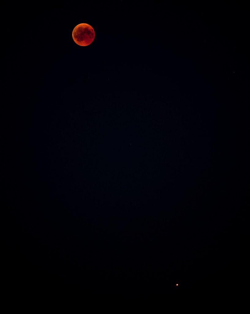 Mond und Mars, Nikon D800, Nikkor 4/200mm @5.6, ISO400, 2 sec