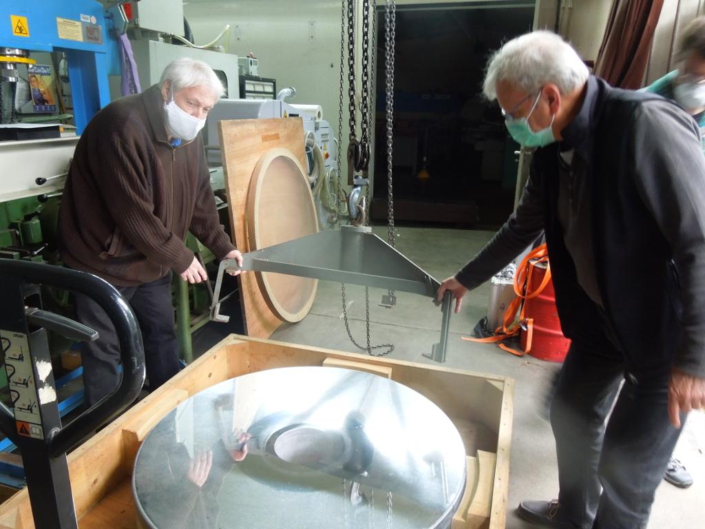 Gerd und Harald positionieren Kran in HH
