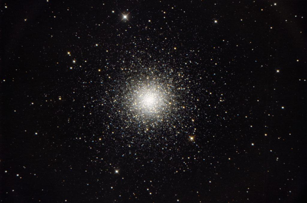 Millionen Sterne bilden den Kugelsternhaufen M3