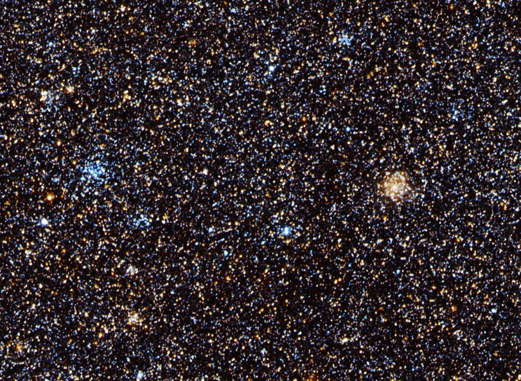 Einige dicht beieinanderstehende Sternhaufen