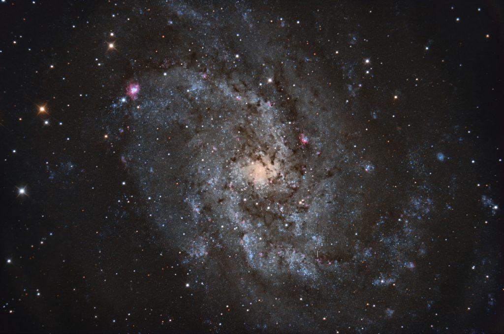 Mein Bild von M33 aus 2018. Rechts unterhalb der Mitte ist die Position von M33 X-7 gekennzeichnet.