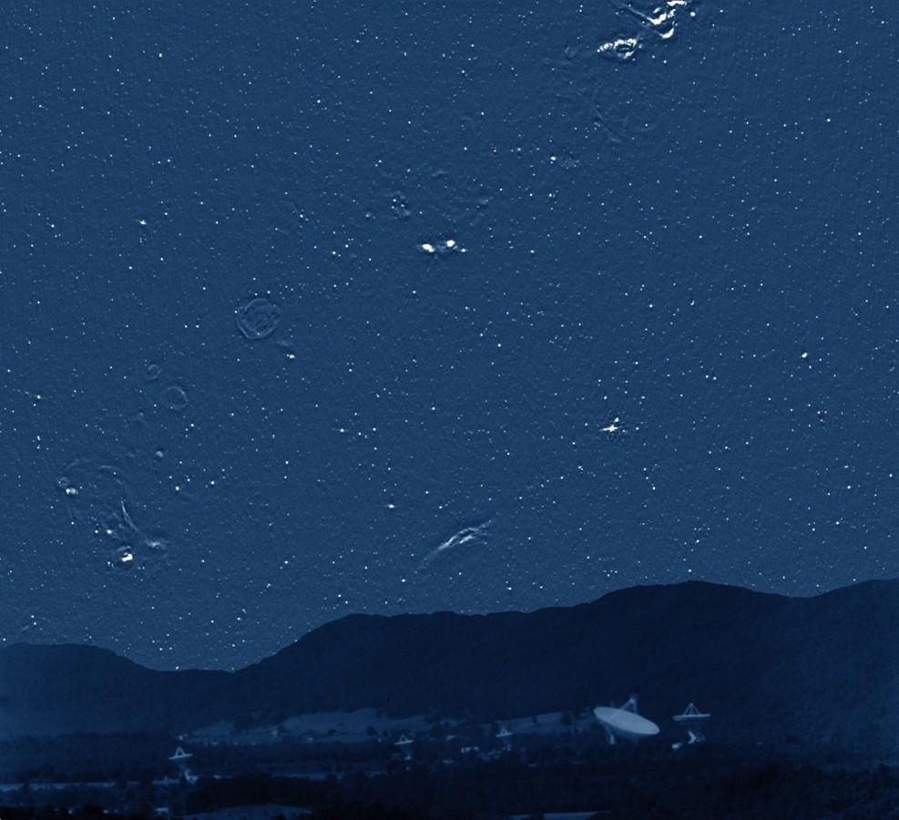 Der Radiohimmel sieht strange aus.